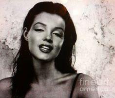 Marilyn Monroe Brunette:SaundraMylesart