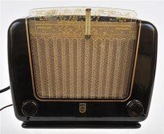 Philips 135B Radio Australian, circa 1952