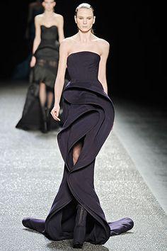 Black strapless, swirvy gown - Nina Ricci