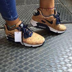 Tendance Basket Femme M o n i q u e.M Basket Femme 2017 Description M o n i q u e. Cute Sneakers, Shoes Sneakers, Sneakers Fashion, Fashion Shoes, Adidas Sl 72, Basket Style, Baskets, Sneaker Heels, Hot Shoes
