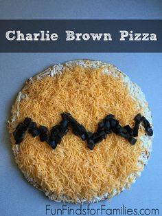 Celebrate the release of the Peanuts Movie with this quick, easy Charlie Brown pizza and Great Pumpkin Patch pudding cups.
