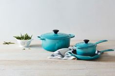 Build an impressive collection of enameled cast iron quickly and easily with the new Signature Set. Cast Iron Pot, It Cast, Enameled Cast Iron Cookware, Cookware Set, Le Creuset, Kitchen Items, For Your Health, Tea Pots, Artisan