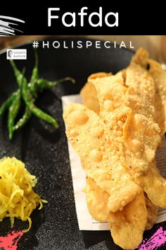 Fafda - A perfect way to enjoy high tea with this Gujarati style snack, which is crispy & delightful. Don't forget to pair it with papaya salad & tea. #recipeoftheday #Holi2021 Holi Recipes, Snacks Recipes, Holi Special, Sanjeev Kapoor, Vegetarian Snacks, Food Festival, Recipe Of The Day, High Tea, Don't Forget