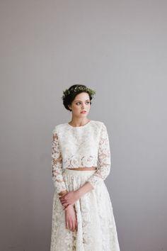 "Ensemble de mariée ultra raffiné tout en dentelle    Angela & Evan Photography, Houghton NYC dress. """