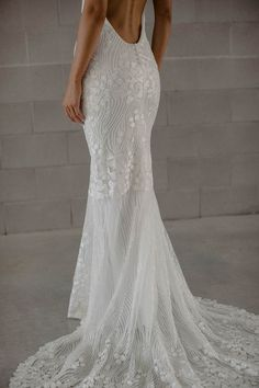 Miss Georgie is a sleek silhouette of superb class and sophistication. She has no sharp edges, except her edge for beauty, for she is completely smooth. Bridal Collection, Formal Dresses, Wedding Dresses, Perfect Fit, Curves, Tulle, Silhouette, Bride, Lace