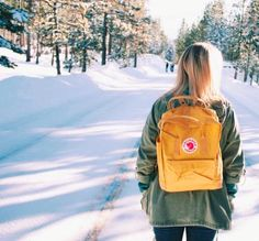 Kanken Bacpack yellow and snow white