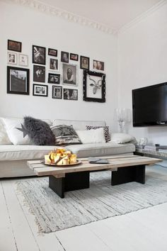 Love the coffee table, could also be made of concrete...