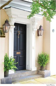 13 Beautiful Photos of Charleston's Historic Homes - Explore Charleston Blog House Front Door, House Doors, Facade House, House Facades, Front Porch, House Exteriors, Townhouse Exterior, Beautiful Front Doors, Charleston Homes