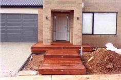Refined Wooden fence treatment,Front yard fence diy and Modern fence and gate design. Front Door Entrance, Front Yard Fence, Fenced In Yard, Front Deck, Brick Fence, Entrance Ideas, Farm Fence, Cedar Fence, Front Entry