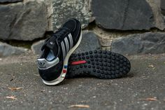 sports shoes 21410 45d74 adidas LA TRAINER OG Made in Germany Core Black  Metsil  Core Black