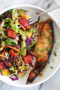 Broiled Miso Salmon – for a really quick dinner, marinate the salmon overnight with this EASY 3-ingredient miso marinade (it's so good) then broil the next day, takes about 7 minutes to cook! Smart Points: 4 Calories: 189