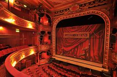 Google Image Result for http://30ish.me/wp-content/uploads/2012/10/Theatre-London.jpg