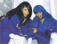 Lil' Kim & Aaliyah on the set of 'Crush On You'.