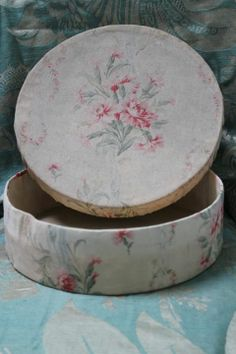 Shabby chic boxes cans etc on pinterest hat for Boite shabby chic