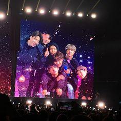 K Pop, Bts Show, Bts Group Photos, Bts Aesthetic Pictures, Bts Korea, Oui Oui, I Love Bts, About Bts, Bts Lockscreen
