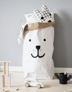 Bear paper bag storage of toys books or teddy bears | www.tellkiddo.com