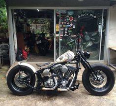 Softail Bobber, Bobber Bikes, Harley Bobber, Harley Bikes, Chopper Motorcycle, Bobber Chopper, Motorcycle Style, Harley Davidson Roadster, Motos Harley Davidson