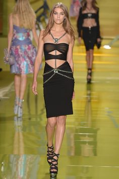 Harness chain - Versace RTW Spring 2014 - #mfw