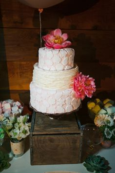 Lacey wedding cake by TuckersIceCream.com photo by AlfredandEmma.com