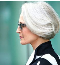 Tired of spending time and money covering your grey hair? These 30 grey hair styles for older women will convince you to embrace your natural silvery gray hair. Hairstyles Over 50, Short Hairstyles For Women, Bob Hairstyles, French Hairstyles, Pixie Haircuts, Medium Hairstyles, Braided Hairstyles, Wedding Hairstyles, Short Grey Hair