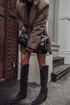 Lucchese Boots - Flaunt and Center Nyc Fashion, High Fashion, Autumn Fashion, Yves Saint Laurent, Affordable Fashion, Spring Outfits, Casual Outfits, Street Style, Blogger Style