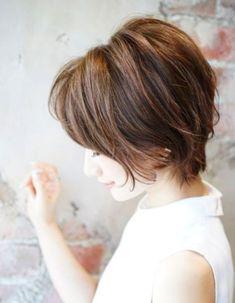 後頭部にボリューム☆大人ショート(SE146) | ヘアカタログ・髪型・ヘアスタイル|AFLOAT(アフロート)表参道・銀座・名古屋の美容室・美容院