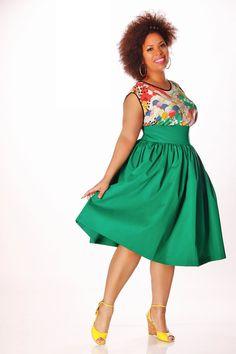 JIBRI Plus Size High Waist Flare Skirt by jibrionline on Etsy - Plus Size Fashion Curvy Girl Fashion, Plus Size Fashion, Womens Fashion, Plus Size Dresses, Plus Size Outfits, Simple Dresses, Plus Sise, Moda Chic, Plus Size Designers