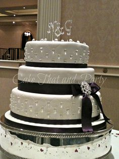 diamond themed cake ribbon would get lime green #quincenera