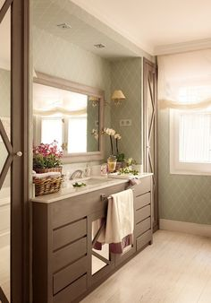 Smooth, opulent, and tranquil bathroom. Bathroom Colors, Bathroom Sets, Apartment Interior, Bathroom Interior, Tranquil Bathroom, Interior Decorating, Interior Design, Vintage Decor, House Colors