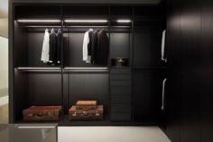 Milan Moduli a Giorno storage closet in hemlock, project by Piero Lissoni for Porro.