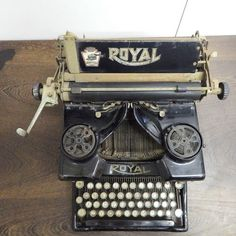 Writing Instruments & Accessories - Royal no. Circa 1919 for sale in Cape Town Writing Instruments, Typewriter, Cape Town, Accessories, Decor, Decoration, Decorating, Deco, Jewelry Accessories