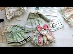 Декорирование одежды для кукол: брадсы, пайетки, машинная строчка, глиттеры и многое другое... - YouTube Barbie, Plushies, Clothing Patterns, Decorative Bells, Doll Clothes, Miniatures, Embroidery, Chiffons, Fashion