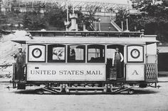 United States mail train in New York, 1900. (Courtesy of the MCNY)