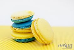 Tyrkysové a žluté makronky   ///   Turquoise and yellow macarons   ///   AVANTGARD inspiration