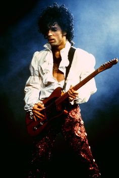 Prince http://www.vogue.fr/culture/a-ecouter/diaporama/la-playlist-de-georgia-may-jagger/14473/image/805465