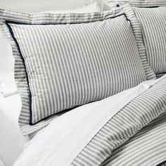 The Yarn Dye Stripe Duvet Set from Threshold is a comfy upgrade for your bedroom. The subtle striping and dark trim gives the piece a tailored look. Bedding Sets Online, Luxury Bedding Sets, Modern Bedding, Farmhouse Bedding Sets, Target Farmhouse, Target Bedding, Cama Box, Striped Bedding, Aztec Bedding