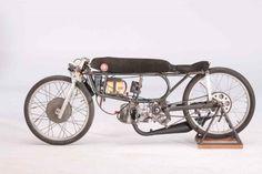 Kreidler van Veen Classic Road Bike, Classic Bikes, Moto Bike, Motorcycle Bike, Motorcycle Design, Bike Design, Vintage Moped, Antique Motorcycles, Motorised Bike