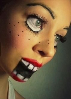 Looking for for ideas for your Halloween make-up? Navigate here for scary Halloween makeup looks. Diy Halloween Face Paint, 30 Diy Halloween Costumes, Looks Halloween, Fall Halloween, Costume Ideas, Halloween Ideas, Halloween Clothes, Halloween Doll Makeup, Doll Make Up Halloween