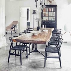 Modern Dining Table - It is not a fact that the Dining Room Table Modern Wooden is difficult to construct. Wooden Dining Table Modern, Mid Century Modern Dining Room, Black Dining Chairs, Modern Dining Room Chairs, Dining Room Office, Industrial Dining Chairs, Mid Century Dining Table, Farmhouse Dining Chairs, Dining Table Chairs