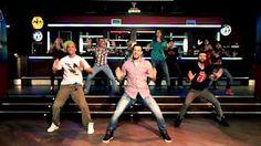Zumba® Fitness Poland - Ojitos chiquititos (reggaeton) - YouTube