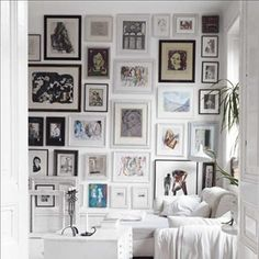 Variations Creative Frame Wall Decoration for Your Home. Amazing and Creative Frame Wall Decoration for Your Home. Bored with a plain wall look? Do not rush to replace the paint or coat it with wallpaper. Sweet Home, Inspiration Wall, Interior Inspiration, Interior Ideas, Home Goods Decor, Home Decor, Home And Deco, Frames On Wall, White Frames