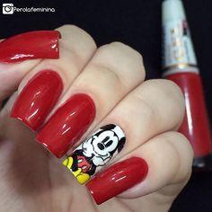 Outro click das minhas manis do Mickey ❤️✨ Esmalte da @ludurana: Obra prima  Película da parceira @dellartepeliculas •Compras pelo site: 💻www.dellartepeliculas.com.br •Frete Fixo: R$5,00 para todo o Brasil •Compras acima de R$30,00 frete grátis  10% de desconto usando o cupom 🌸PEROLAFEMININA🌸  #blogger #bloggers #fashion #fashionbloggers #nails #nailpolish #nails2inspire #deesmalte #dicasdeunhasbr #viciadaemvidrinhos #esmalte #esmaltes #esmaltedasemana #esmaltedodia #unha #unhas…