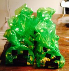 Minecraft cupcakes and goodie bags creeper tnt birthdayparty