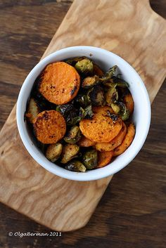 Zesty & Spicy Roasted Brussels Sprouts with Sweet Potatoes {vegetarian, vegan, healthy, side}