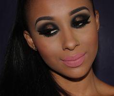 Tutorial de Maquiagem Dramática para pele negra por @by_thamires. #Brown #Beauty #PeleNegra #Glitter #Maquiagem #Nude #Matte #Lipstick #BlackHair