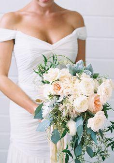 blumen bedeutung pfingstrosen - austin gros photography Vintage Wedding Flowers, Blush Wedding Flowers, Winter Wedding Flowers, Wedding Flower Decorations, Floral Wedding, Wedding Colors, Wedding Bouquets, Wedding Dresses, Wedding Ideas