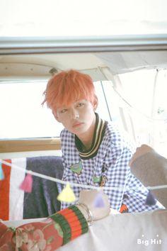 뷔 Young Forever [스타캐스트] 청춘을 노래하는 방탄소년단의 마지막 이야기, <화양연화 Young Forever> 자켓 사진 촬영장! :: 네이버 TV연예