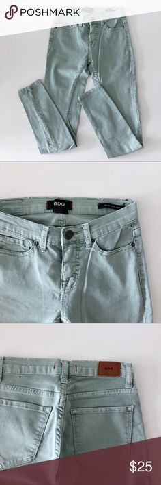 9b53b657059d6 BDG Mid Rose Twig Ankle Jeans Size 25 Mint green Size W25 L29 Excellent  condition.