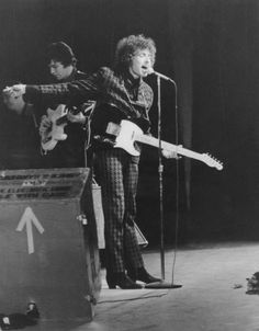 How to Dress More Like a Young Bob Dylan Photos Robert Allen, John Lennon Beatles, The Beatles, Bob Dylan Live, Travelling Wilburys, Nobel Prize Winners, Joan Baez, Idole, Gretsch