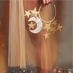 "103 Beğenme, 2 Yorum - Instagram'da Aroeira Abe (@aroeira_abe): ""Arco lua e estrela + saia midi tule @aroeira_abe  vem escolher o seu look na @combo.34 """